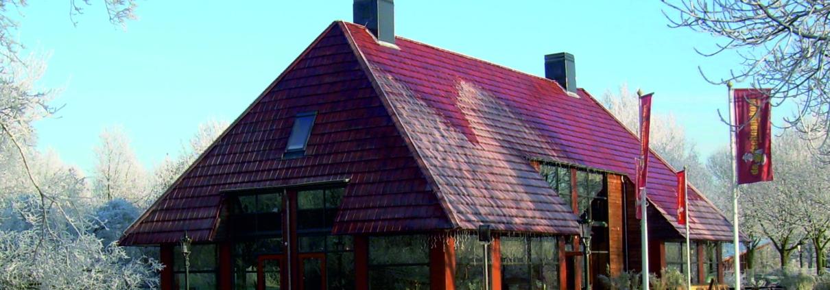 nieuwbouw pannenkoekenrestaurant de Schaapskooi in recreatiegebied te Alphen aan den Rijn